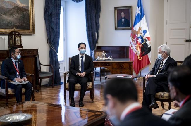 Piñera se reúne con Sinovac por posible instalación de fábrica de vacunas