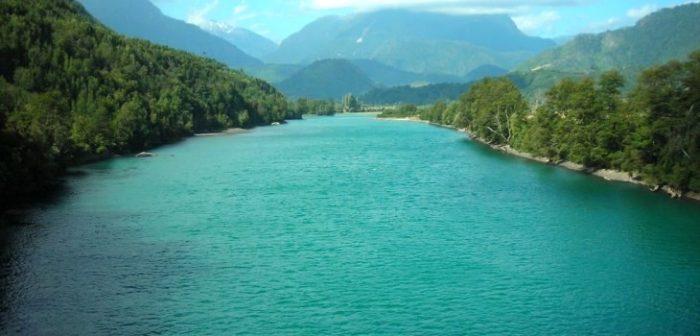Comunidad se encuentra reuniendo firmas para declarar el Río Puelo como reserva de agua