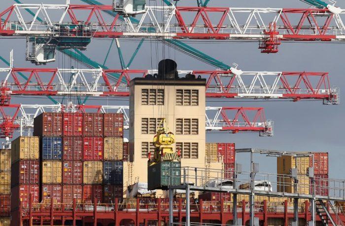 Chile anota superávit comercial en julio de US$604 millones, informa el Banco Central