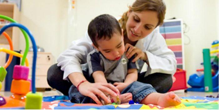 Eliminan tope anual en atenciones en kinesiología, fonoaudiología, terapia ocupacional, psicología y psiquiatría para menores de 6 años