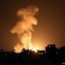 Israel bombardea Gaza en respuesta a globos incendiarios