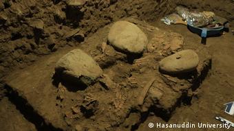 Otra ilustración de los restos arqueológicos encontrados en la cueva Liang Pannig.