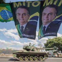 Sin necesidad de tanques: con Bolsonaro, los militares han vuelto abiertamente y sin pudor a la mesa de decisiones