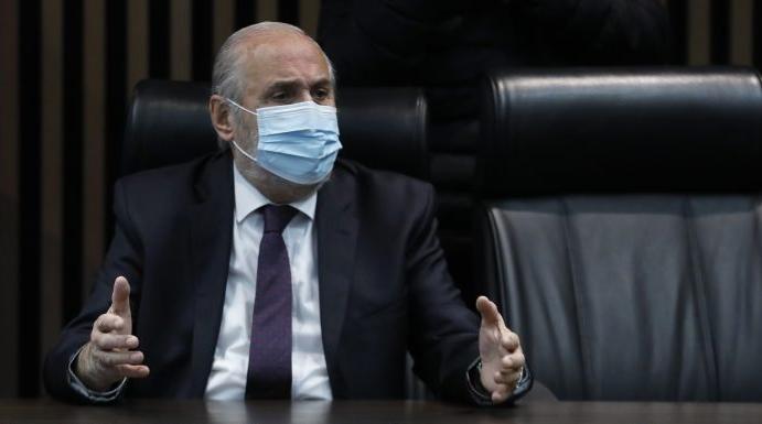 Salen los trapitos al sol del caso SQM: Abbott se enreda en entrevista y reconoce reunión con senador Pizarro en plena campaña a Fiscal Nacional