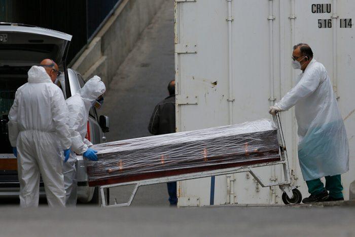 Chile suma 49 muertes y 904 contagios nuevos por Covid-19: positividad se mantiene bajo el 2%