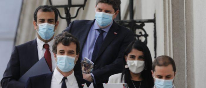 Nerviosismo en Chile Vamos por cuarto retiro: diputados RN piden anunciar el IFE extendido antes del lunes pero La Moneda sigue estirando el elástico