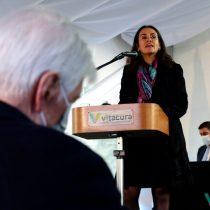 Evópoli versus RN: Alcaldesa de Vitacura denuncia irregularidades en programas municipales de la gestión de Torrealba
