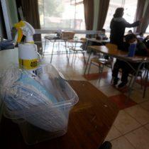 Gobierno suspende clases en colegio de Providencia tras contagios de Covid-19