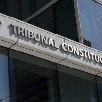 """Diputados RN presentan proyecto para que TC fiscalice reglamentos de la Convención: Monckeberg le quita el piso y constituyentes de oposición lo califican de """"insólito"""""""