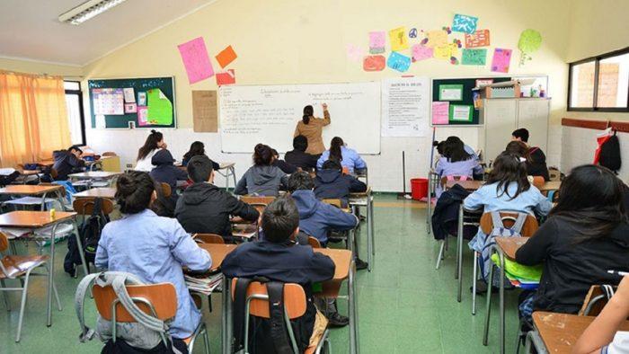 Aprueban proyecto para incluir en el currículo escolar temáticas sobre cambio climático, bienestar animal y políticas alimentarias