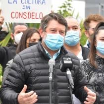 Gobernador Orrego insiste en necesidad de acelerar vacunación para acortar toque de queda y favorecer trabajo de la industria cultural