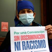 Machi Francisca Linconao pide a Carabineros vigilar el entorno del ex Congreso tras ser hostigada por candidatas del partido de J. A. Kast