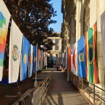 Ex Congreso se viste con banderas para conmemorar el primer mes de la Convención Constituyente