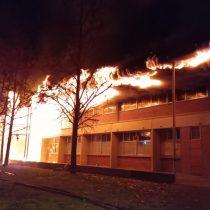 Incendio afectó a edificio en el Campus San Joaquín de la Universidad Católica