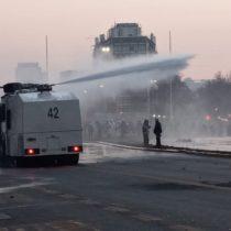 Manifestaciones en Plaza Italia por presos del estallido y proyecto Dominga: Carabineros dispersa protesta