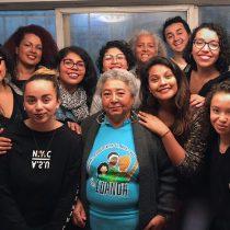 """""""Las negras caminan por enfrente"""": racismo que viven afrodescendientes chilenos queda al descubierto en series de documentales sonoros"""