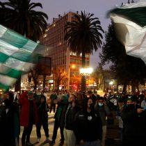 Hinchas de Santiago Wanderers protestaron en Valparaíso contra la dirigencia del club