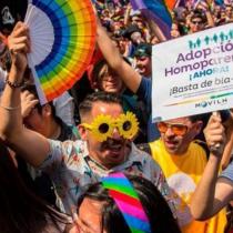 Por unanimidad: Comisión de Constitución aprobó en general proyecto de ley de adopción homoparental