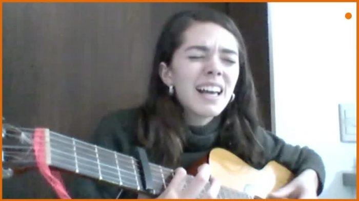Olivia García-Huidobro: la cantautora chilena que visibiliza el aborto, la violación y la necesidad de derechos sexuales y reproductivos a través de su música