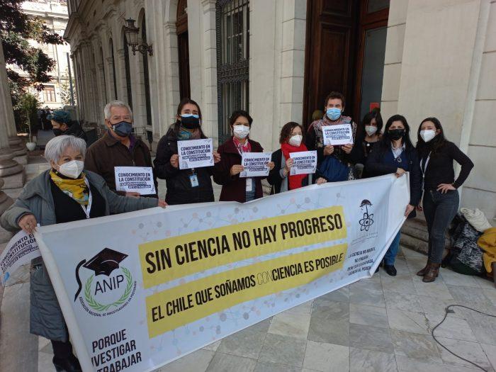 Investigadores presionan en favor de la ciencia: constituyentes piden una comisión de Conocimiento, Ciencia y Tecnología en el reglamento