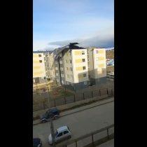 Voladura de techos y cortes de luz: reportan vientos sobre los 100 km/h en Punta Arenas y declaran alerta amarilla