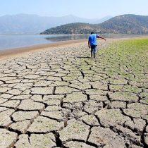 """Ecotoxicólogo  ante  hipersequía: """"No podemos pensar el Chile que queremos para el 2030 con una mirada de 1990, hay que tomar acciones rápidas ahora"""""""