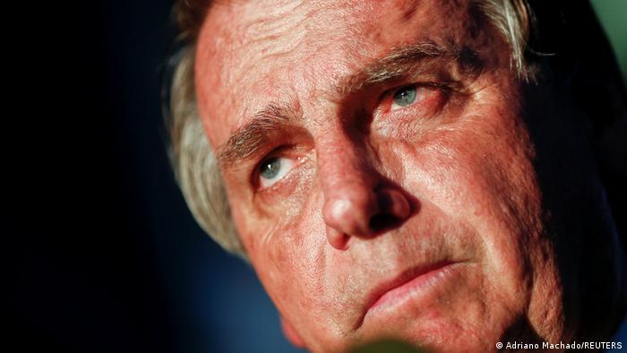 Brasil: Jair Bolsonaro prohíbe a redes sociales quitar contenidos de forma