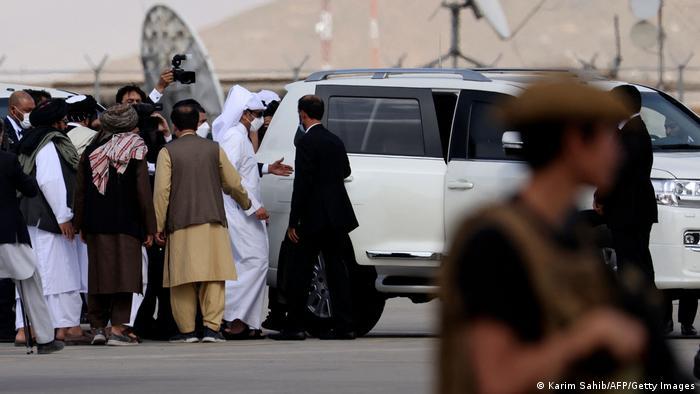 Los talibanes reciben su primera visita oficial de un alto cargo extranjero