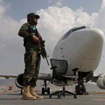 Aterriza en Kabul el primer vuelo comercial internacional desde el regreso de los talibanes al poder
