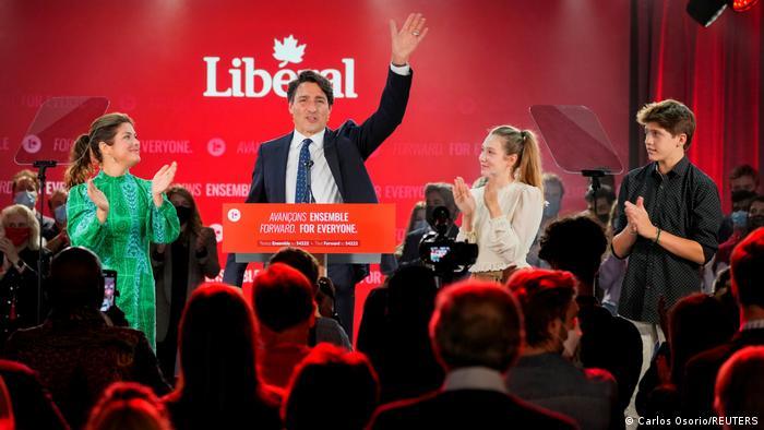 Trudeau gana tercer mandato en Canadá, sin mayoría parlamentaria