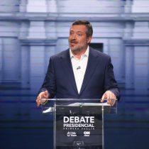 """Las esquirlas del debate: UDI preocupada por """"débil"""" performance de Sichel y senador Alvarado advierte que hay """"mucha gente vitrineando con Kast"""""""