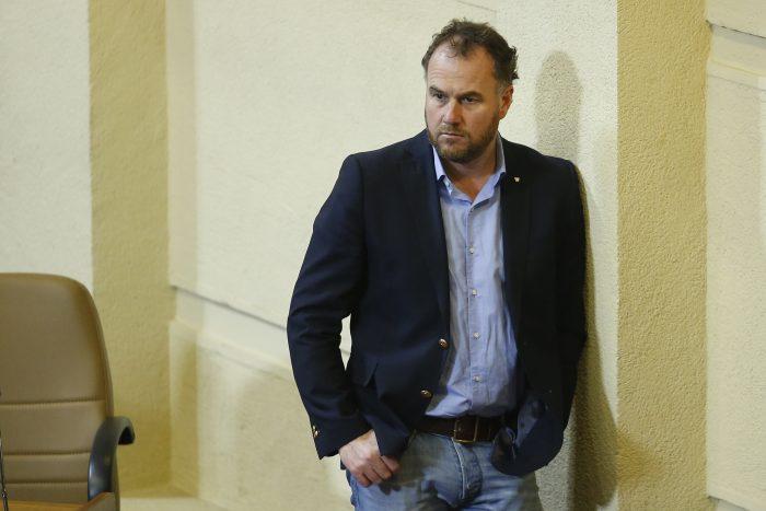 Diputado Jürgensen provoca a Moreira y parlamentarios oficialistas por JAK: