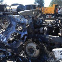 Ataque incendiario en Carahue deja dos trabajadores heridos y cinco camiones quemados
