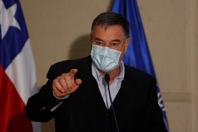 Senador Ossandón apunta contra personeros del Ejecutivo que realizaron retiros de ahorros previsionales: