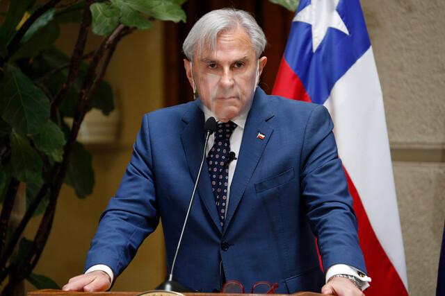 Moreira responde a senador Alvarado (UDI) por comparación entre Kast y Sichel tras debate presidencial: