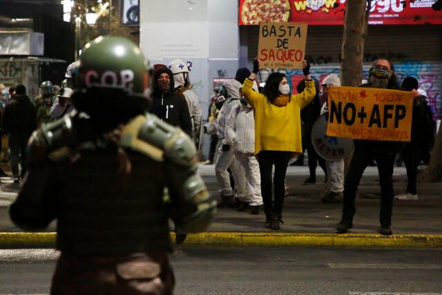 Carabineros: Diario Oficial publica nuevo protocolo para procedimiento ante manifestaciones