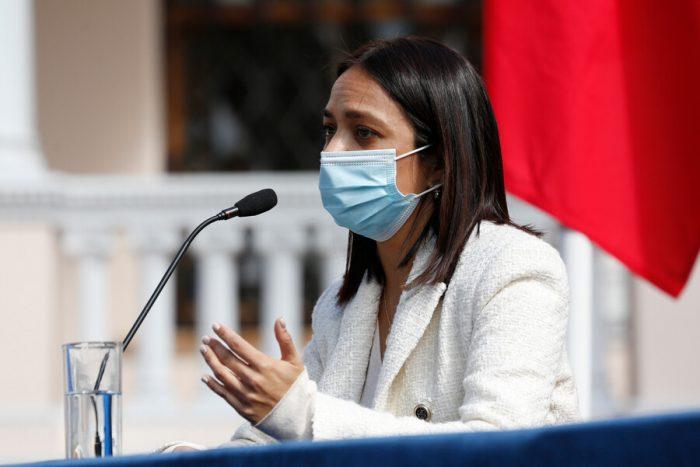 Constituyente Tiare Aguilera desmiente versión de violencia intrafamiliar tras su detención y acusa agresión por parte de Carabineros