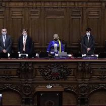 Convencionales cantaron el himno nacional tras la sesión de este martes