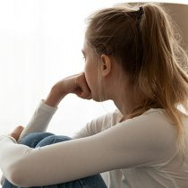 Para prevenir el suicidio es fundamental estar alerta a las señales