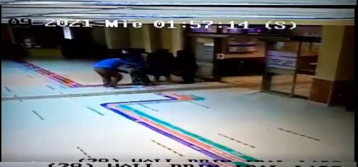 Negligencia médica: mujer da a luz en el piso de un pasillo del Hospital de Lautaro