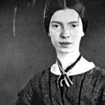 """Cita de libros: """"Mi Emily Dickinson"""" de Susan Howe,  pintura inacabada de una poeta que desafía las sombras del porvenir"""