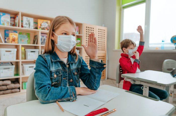 Cómo hacer más llevadero el uso de las mascarillas en clase