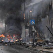 Mueren 8 personas al estrellarse un avión contra un edificio cerca de Milán