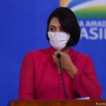 Piden investigar a esposa de Bolsonaro por tráfico de influencias