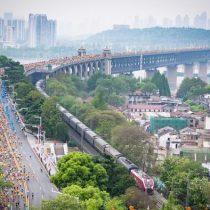China aplaza maratón de Wuhan por rebrote de Covid-19