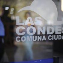 Funcionarios 24/7 en Las Condes: informe revela que municipio desembolsó $7.800 millones en horas extras solo en 2020