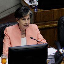 Polémico apoyo de Maya Fernández a Boric: senadora Allende (PS) trata de apagar la llama que prendió su sobrina y dice que