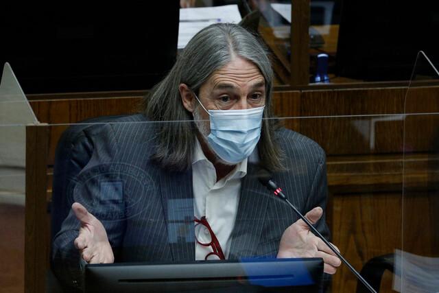 Senador Letelier abre puerta para respaldar cuarto retiro: