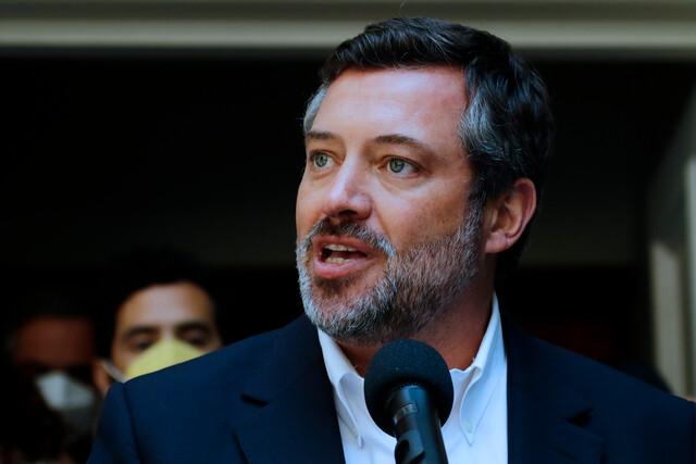 DC responde a dardos de Sichel por financiamiento irregular: reservan