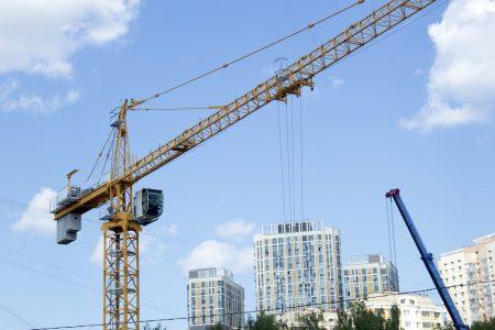 Ingreso de nuevas obras de construcción aumenta un 44% mensual tras repunte en regiones
